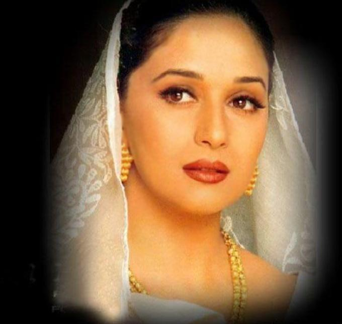 Hot Madhuri Dixit wallpapers