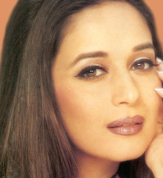 Madhuri Dixit glazing eyes wallpaper