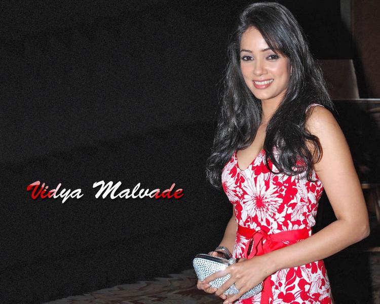Vidya Malvade with sweet smile pic