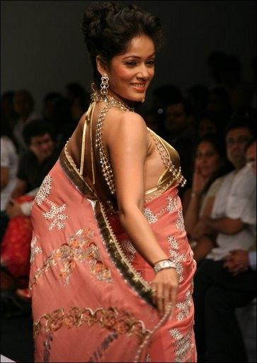 Vidya Malvade hot in gorgeous saree