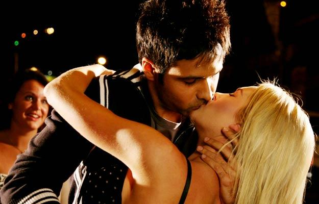 Emraan Hashmi kissing  latest still