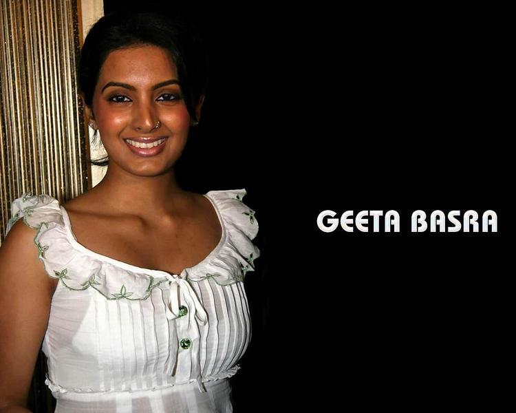 Geeta Basra cute hot wallpaper