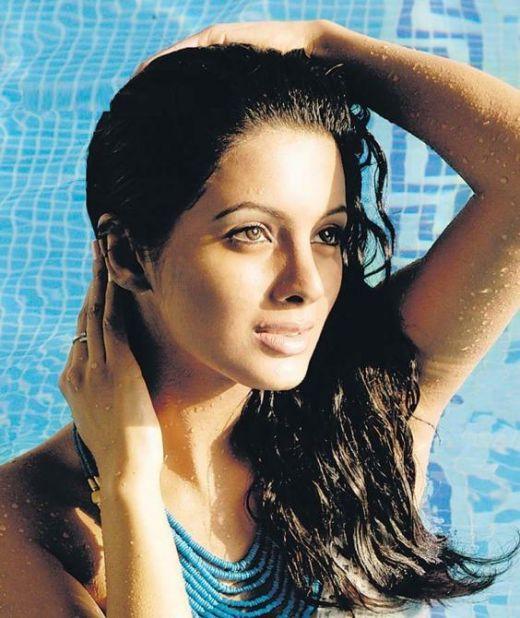 Geeta Basra sexiest wallpaper