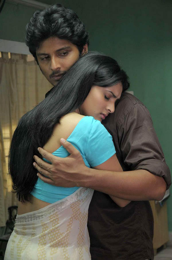 Singam Puli movie Jeeva and Ramya hot still