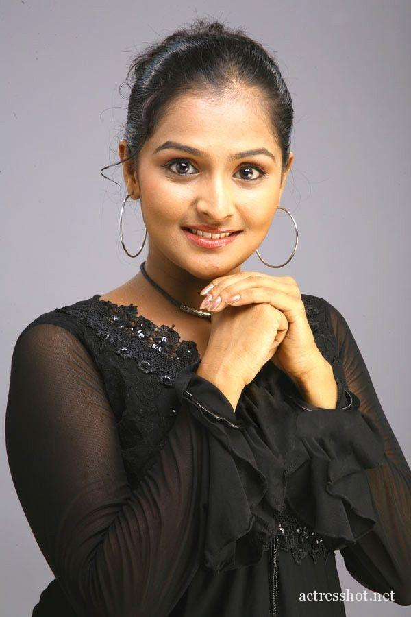 Actress ramya nambeesan hot photo