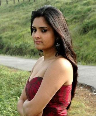 Kannada actress Ramya cute images