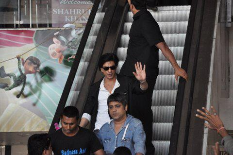 SRK At the Mall in Nagpur
