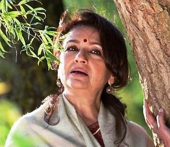 Sharmila Tagore exposing still