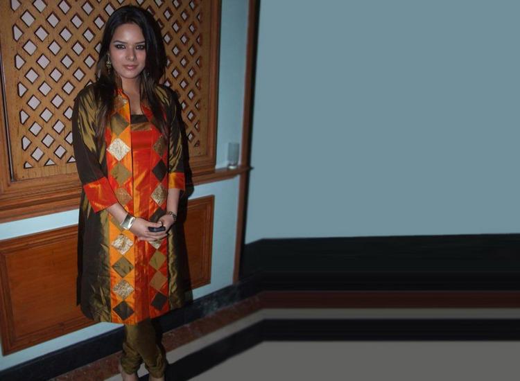 Udita Goswami cool look