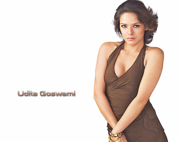 Udita Goswami  sexy cleavages show