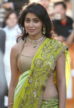 Shriya Saran in amazing saree
