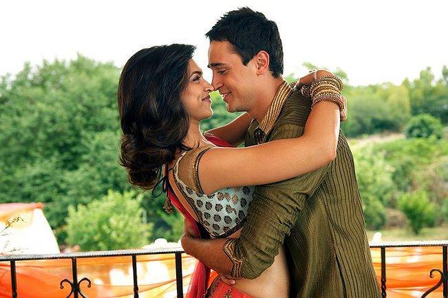 Imran Khan and Baad Deepika romance pics in Break Ke Baad