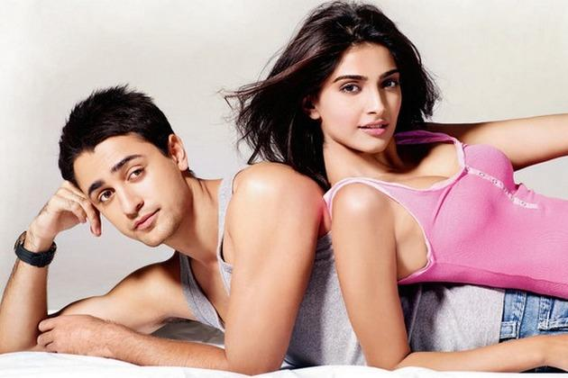 Imran Khan and Sonam Kapoor Glamour still in I Hate Luv Story