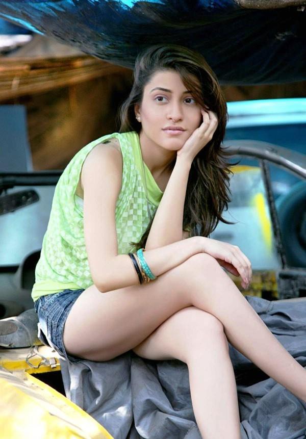 Kainaz Motivala in Ragini MMS sexy pics