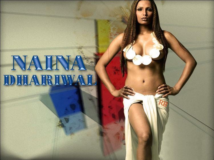 Naina Dhariwal  sexy navel show