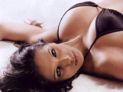 Naina Dhaliwal  hot cleavages latest stills