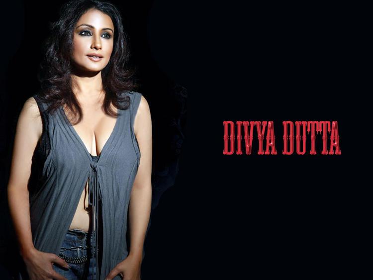 Divya Dutta hot wallpaper