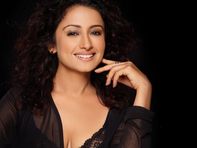 Divya Dutta looking hot gorgeous