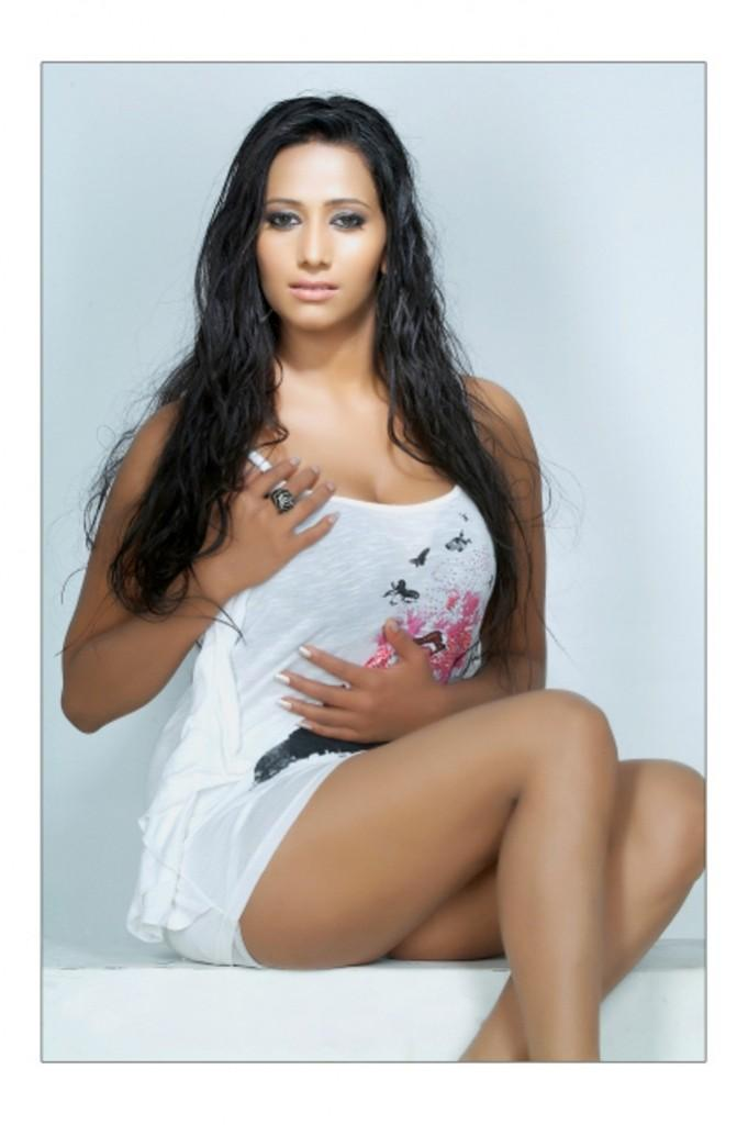 Sanjana singh spicy hot images