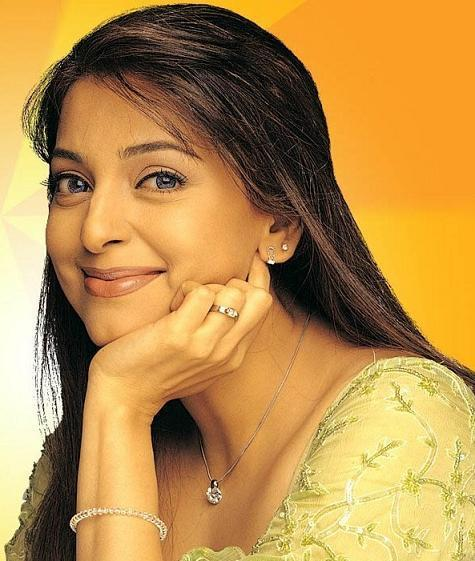 Juhi Chawla with cute smile pics