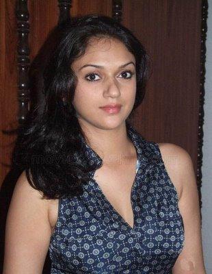 Aditi Rao Hydari hot look