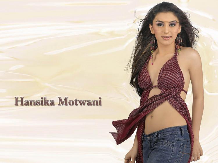 Hansika Motwani hot bikini wallpaper