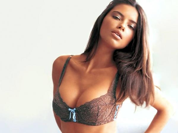 Adriana Lima Sexy Wet Picture