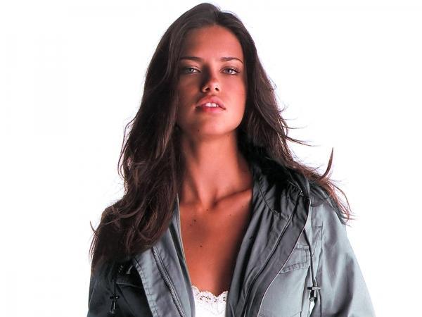 Adriana Lima innocent look