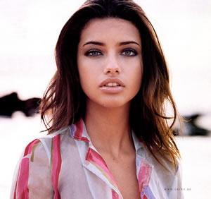 Adriana Lima sizzling hot sexy look
