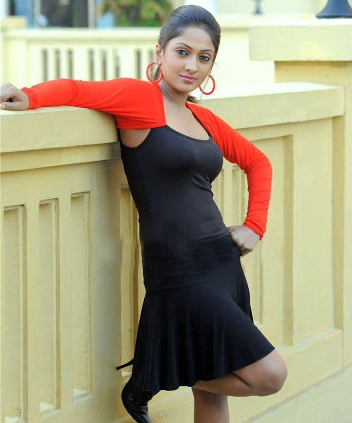 Sheela sexy pose hot photos
