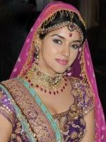 Asin with wedding dress in Ready