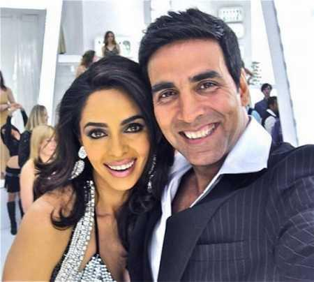 Akshay Kumar,Mallika Sherawat at sets of Thank you movie