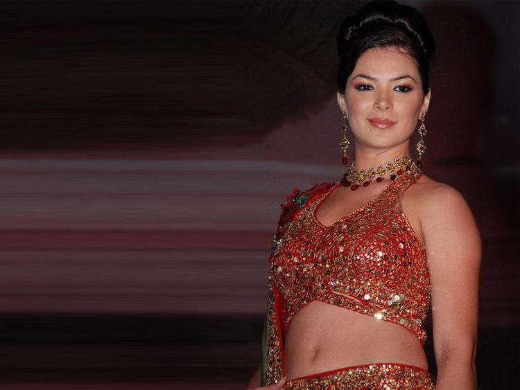 Urvashi Sharma amazing dress pics