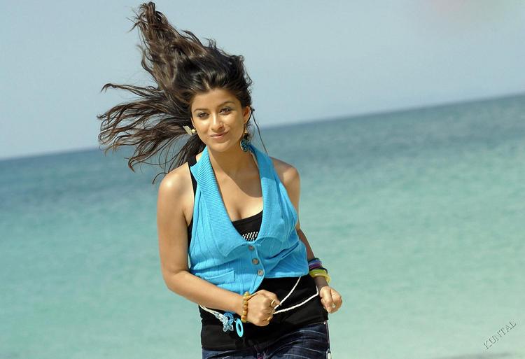 Madhurima sexy hot photo