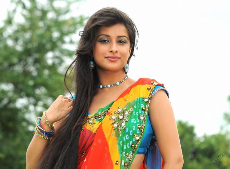 Madhurima hot sexy in saree
