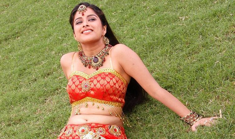 Madhurima sexy navel pics