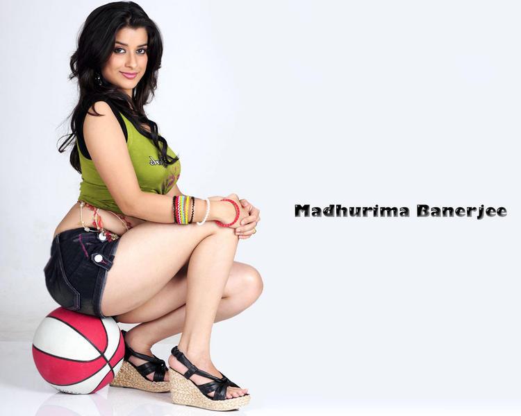 Madhurima Banerjee hottest wallpaper