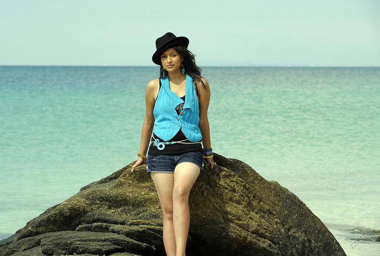 Madhurima hot mini dress stills