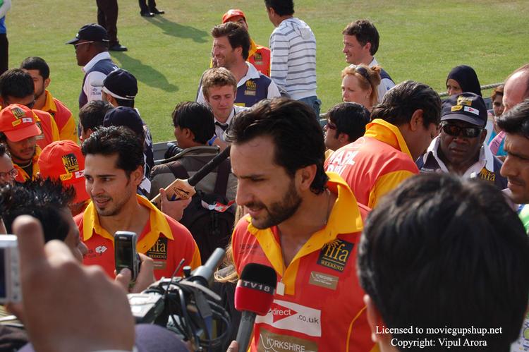Saif Ali Khan and Dino Morea at IIFA Cricket