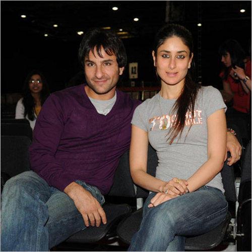 Saif Ali Khan and kareena kapoor poses to photo shoot