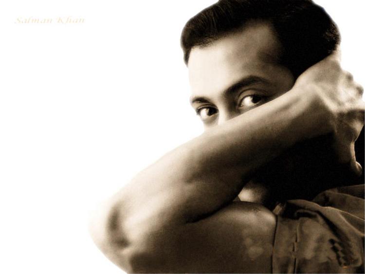 Salman Khan strong arm wallpaper