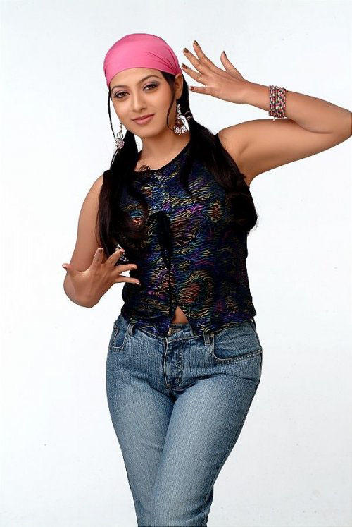 Hot Keerthi Chawla cute pictures