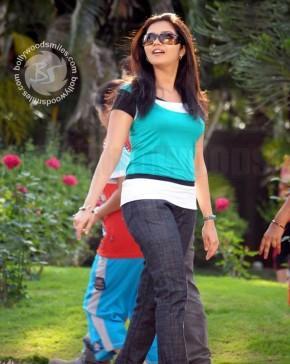 Feet Swathi stylist look