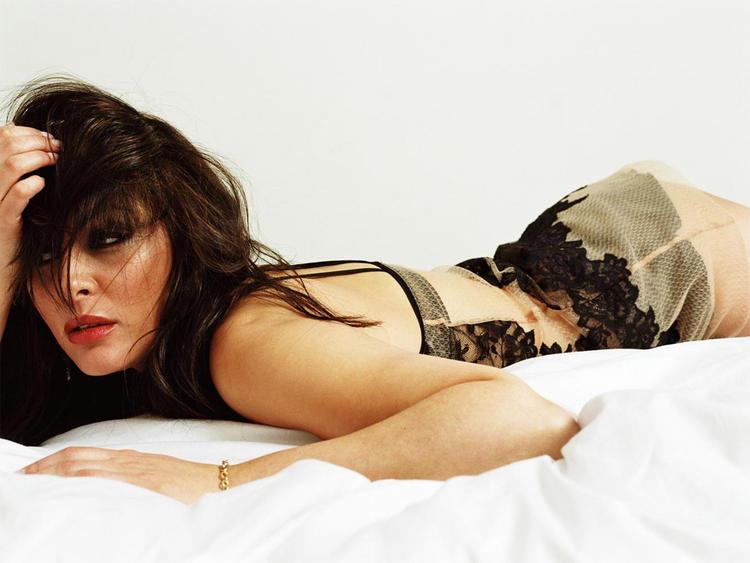 Laila Rouass sexy body pics