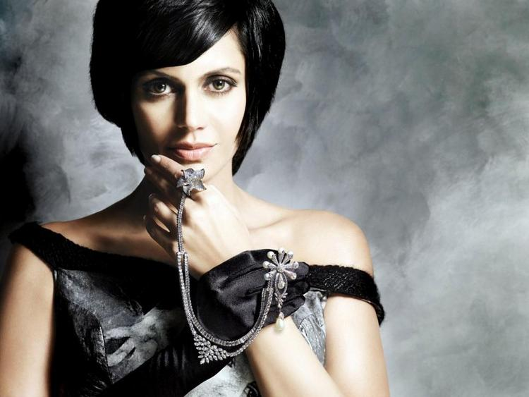 Mandira Bedi Gaja Jewellery Ad Photo Shoot wallpaper
