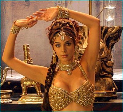 Mallika Sherawat Snake Dance Pic