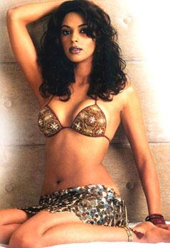 Mallika Sherawat Wet Outfit Still
