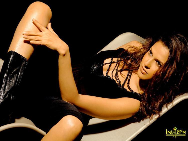 Neha Dhupia Exposing Her Sexy Things