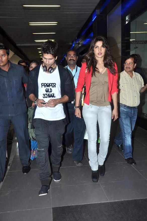 Shahid and Priyanka Spotted at Mumbai International Airport