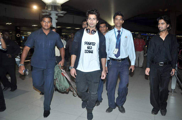 Shahid Spotted at Airport From IIFA 2012 Trip and Teri Meri Kahaani Promotion